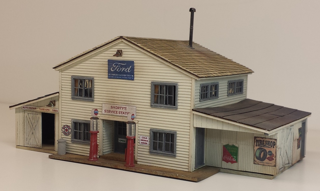 Shorty's Service Station ~ HO scale