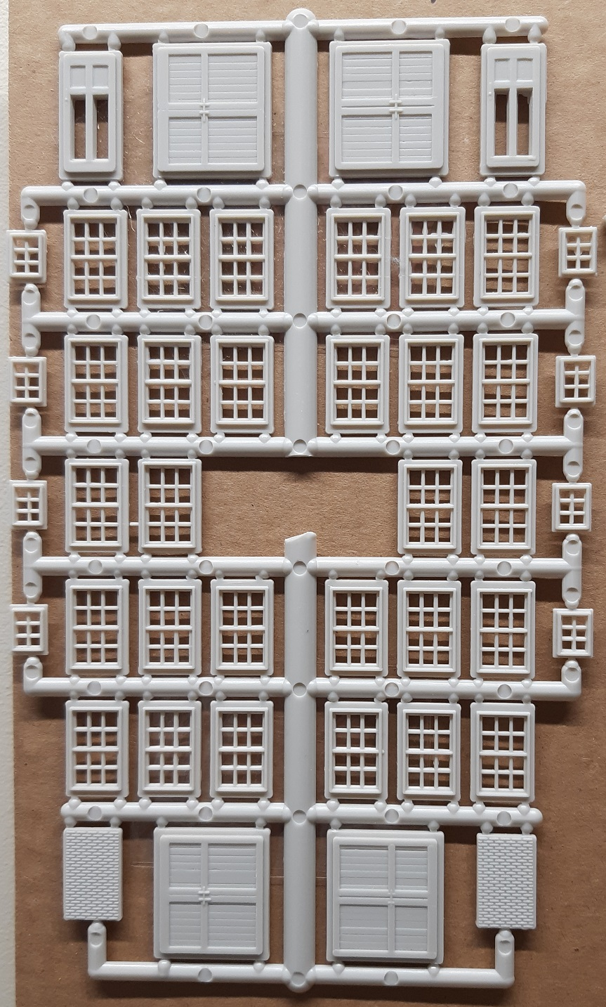 Windows Sprue No 17 ~ HO Scale