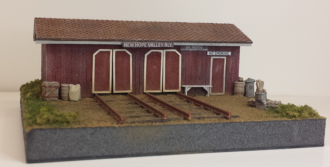Speeder & Oil Shed ~ N scale